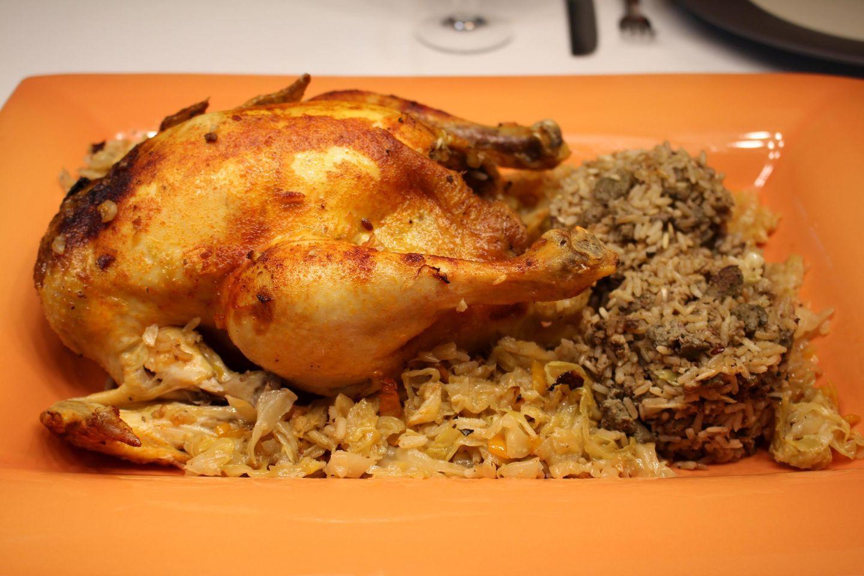Kotopoulo Lachania - Gefülltes Huhn auf Weißkohl