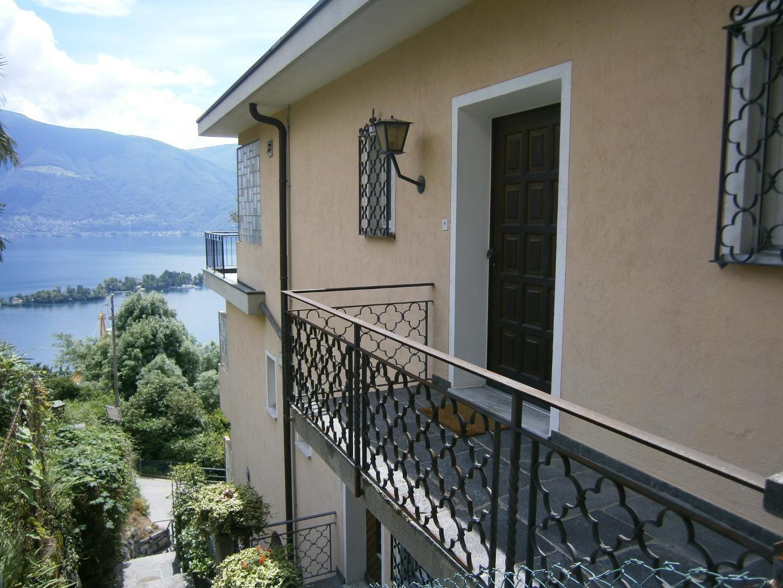 ferienwohnung ronco sopra ascona 6 personen schweiz tessin 86840. Black Bedroom Furniture Sets. Home Design Ideas