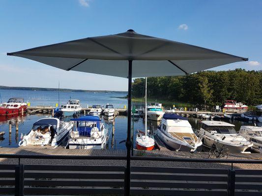 Balkon von Maisonette Jocki , in der ersten Reihe mit traumhafterAussicht über den See und Hafen Ideal für 2-6 Personen