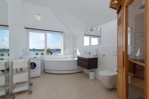 Durchblick  - Badezimmer