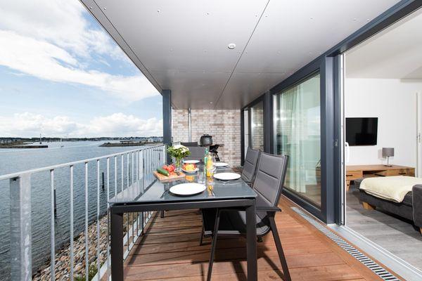 Zwischen den Meeren  - Balkon
