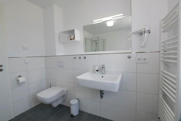 Süd-See-Seite  - Badezimmer