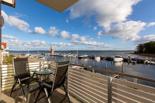 Balkon von Panorama-Maisonette am Yachthafen , optional mit Bootsliegeplatz direkt vor dem Apartment (Haus 6, A6)