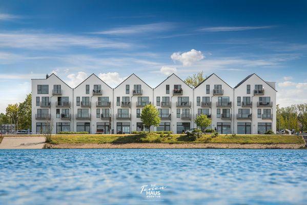 Harbour Side  -