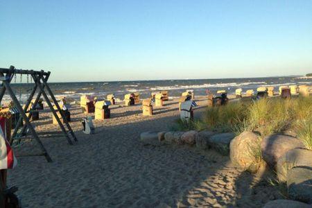 Altes Strandhus Casa Strandmuschel Scharbeutz - OT Haffkrug - der Strand gegenüber