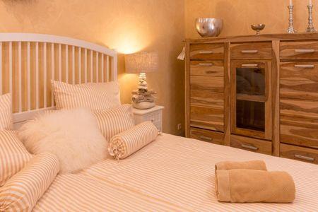 Casa Strandperle Scharbeutz - OT Haffkrug - 1. Schlafzimmer mit elektr Aussenjalousie