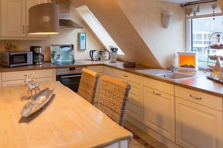 Altes Strandhus Casa Strandmuschel Scharbeutz - OT Haffkrug - Küche mit Meerblick