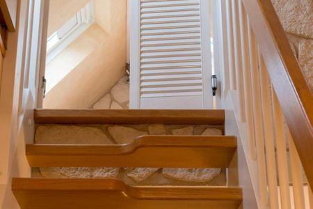 Altes Strandhus Casa Strandmuschel Scharbeutz - OT Haffkrug - Treppe nach oben