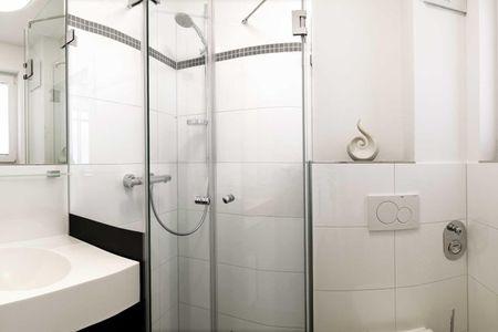 Doppelhäuser zum Reetmoor Haus Kirsten Schwarzer Busch - Badezimmer