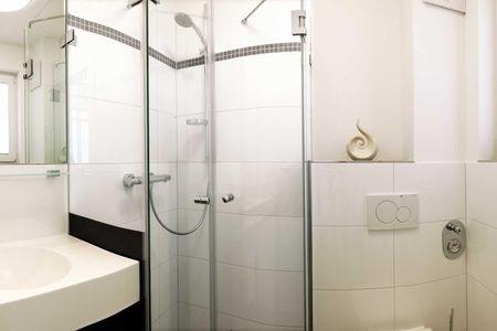 Doppelhäuser zum Reetmoor Haus Theresa Schwarzer Busch - Badezimmer
