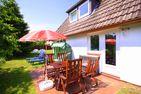 Das kleine Haus - Reetdachhaus Petersen Nebel - Terrasse am kleinen Haus in Nebel auf Amrum