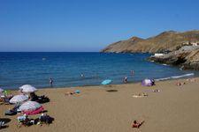 Strand von Panormos, ca. 16km entfernt.